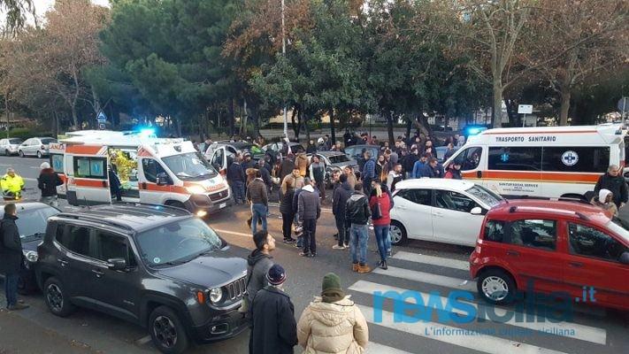 Maxi incidente al viale Raffaello Sanzio: 6 mezzi coinvolti, sangue in strada e due feriti gravi