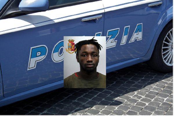 Droga, contanti e una pistola ritrovati al centro accoglienza: arrestato un ospite