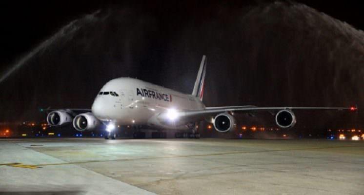 Aeroporto Fontanarossa, fulmine colpisce volo Catania-Parigi: paura per il pilota