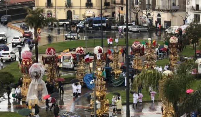 Sant'Agata 2019, ancora un cambio di programma per il maltempo: le Candelore tornano al Duomo