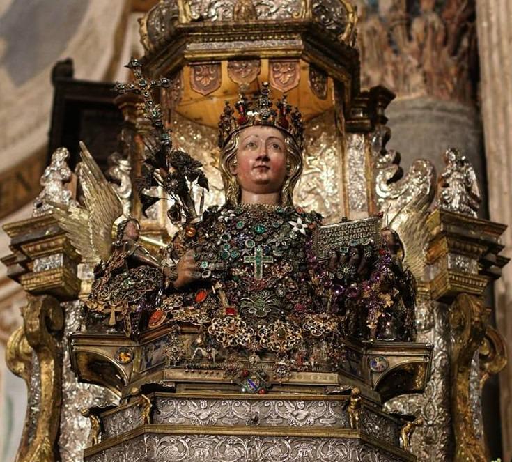 """Sant'Agata, iniziano i festeggiamenti: alle 19 Santa Messa in Cattedrale, a seguire il giro """"piccolo"""""""