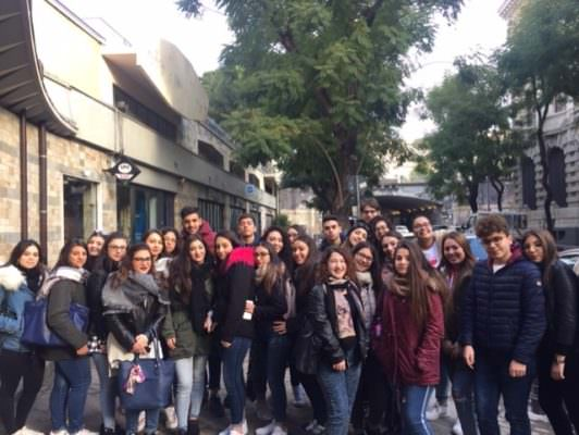 """""""The Canterville Ghost"""": alunni dell'I.I.S.S. Carlo Gemmellaro di Catania assistono numerosi allo spettacolo in lingua inglese"""