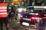 Diretti a un festino a Catania: donna nasconde droga in mezzo al seno. Tre arresti