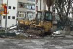 Canile a cielo aperto e cani malnutriti a Catania: scatta demolizione – FOTO