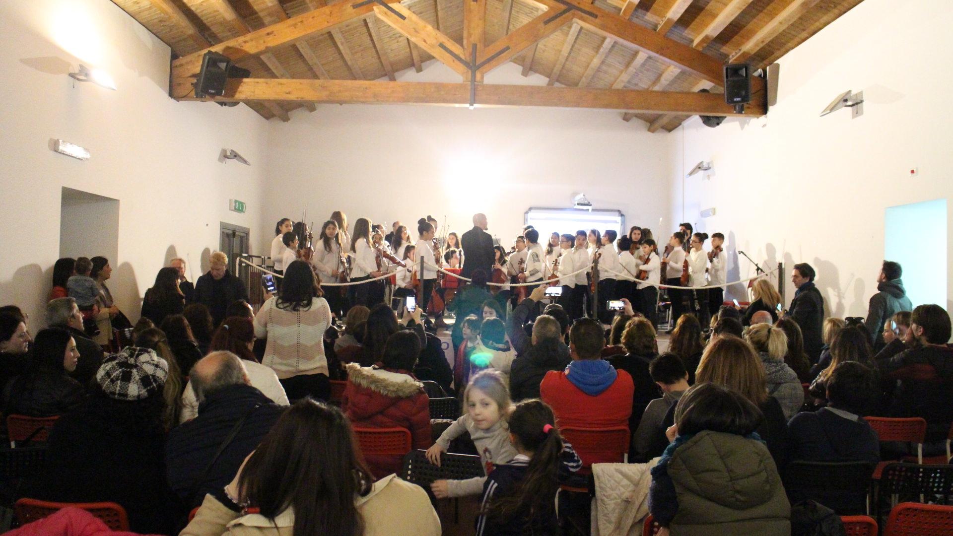"""I diritti raccontati attraverso musica e spettacolo, al """"Fontanarossa"""" di Catania i più piccoli incontrano la Costituzione"""