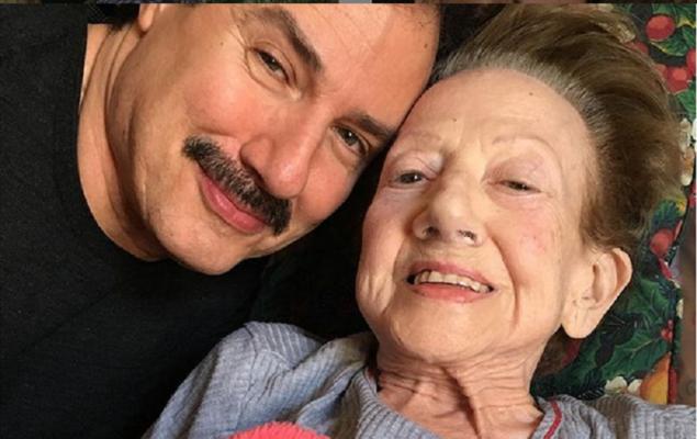 """L'ultimo saluto a Rosaria Calì, moglie di Ciccio Ingrassia. Il figlio Giampiero: """"Mi auguro riposi in pace acconto a mio padre"""""""