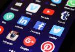 Catania, ruba profili Facebook per adescare minorenni e ricevere foto intime: indagato 39enne