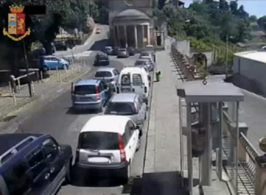 """La telefonata dalla cabina e lo """"sgambetto"""" ai Santapaola-Ercolano: nel mezzo anche un'estorsione a un panificio – VIDEO"""