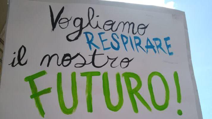 Il successo del 15 Marzo: #Fridayforfuture in 123 paesi, Greta Thunberg candidata per il premio Nobel per la pace