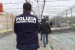 Sfruttamento lavoratori extracomunitari e furto luce: un arresto e una denuncia in due aziende agricole