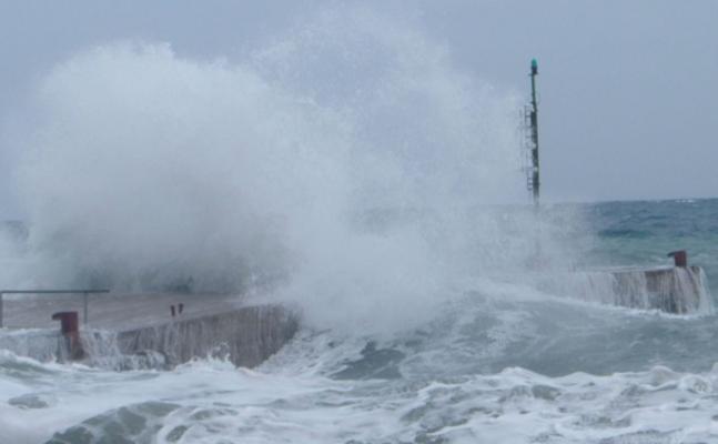 Meteo, Pasqua e Pasquetta all'insegna del vento e delle mareggiate: a rischio gite all'aria aperta