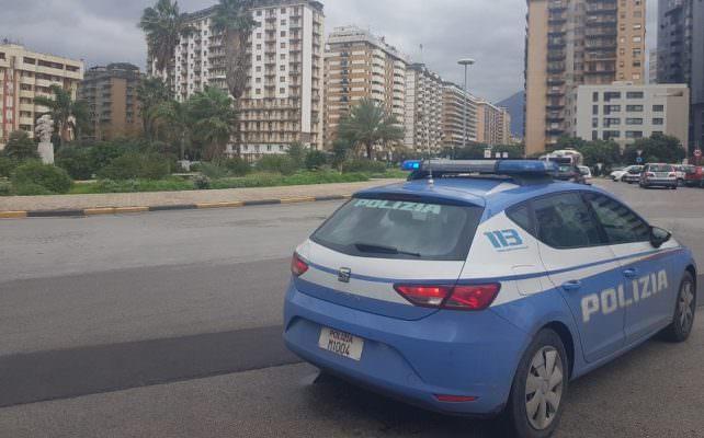 """Continua lotta contro l'abusivismo: tre parcheggiatori denunciati e allontanati dal """"posto di lavoro"""""""