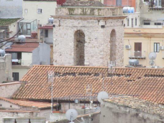 """Scivola il tetto della Chiesa di S. Orsola, a rischio gli affreschi della volta: """"Bisogna intervenire"""""""