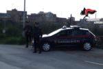 Sorpresa per i carabinieri: ladri fingono di essere i padroni di casa e si mettono sotto le coperte