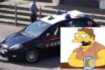 Fermato dai carabinieri, risponde con un forte rutto: poi sfreccia per fuggire