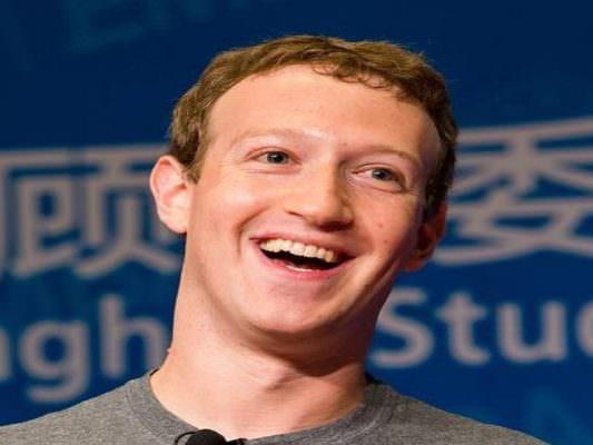 Quando un impero vacilla: da Cambridge Analytica ai down delle App, quanti problemi per Zuckerberg
