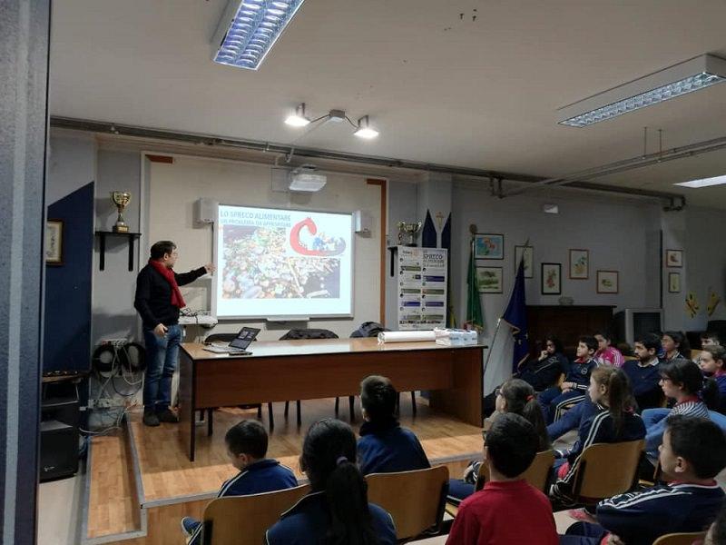 """Conferenza-dibattito su alimentazione e spreco alimentare al Circolo Didattico """"G. Fava"""" di Mascalucia"""