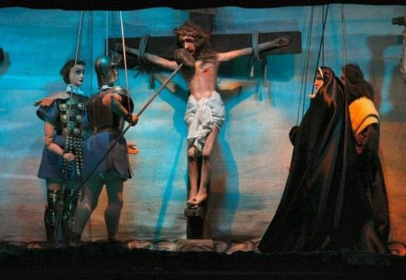 """Al Machiavelli la Marionettistica dei Fratelli Napoli racconta il dramma sacro """"Cristo al Golgota"""