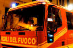 Paura in via Iblone, incendio divampa all'interno di un garage abbandonato