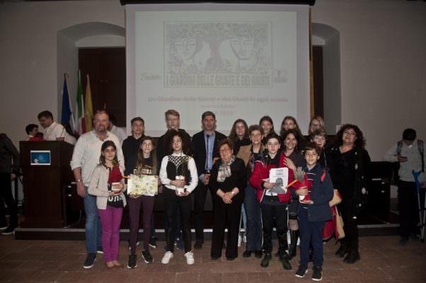 """Un giardino delle Giuste e dei Giusti in ogni scuola: premiato l'Istituto Comprensivo """"XX Settembre"""" di Catania"""