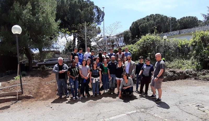 """Gli studenti dell'I.I.S. di Riposto scendono in """"campo"""" con i volontari di Sigonella"""