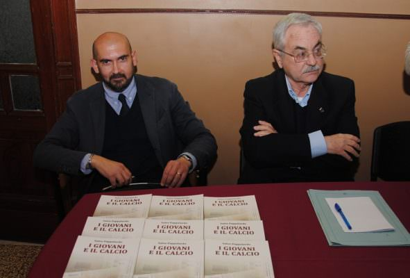 """""""I Giovani e il Calcio"""", presentato il libro del giornalista sportivo Salvo Pappalardo"""