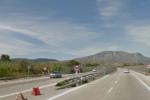 Impatto nello svincolo dell'autostrada: pesanti rallentamenti al traffico veicolare