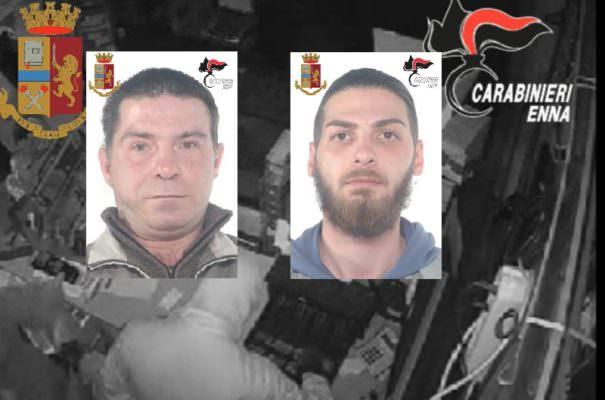 Colpo alla stazione di servizio, portano via tabacchi, gratta e vinci e soldi: 2 arresti – VIDEO