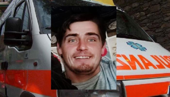 Perde l'equilibrio e cade al suolo dopo un volo di 4 metri: Ciprian Catalin Apetroaei muore sul colpo