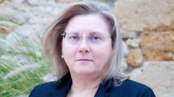 Malore all'uscita di scuola: la Dirigente Maria Teresa Buscemi muore per un arresto cardiaco