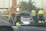 Auto contro guardrail nei pressi di Cassibile: traffico bloccato