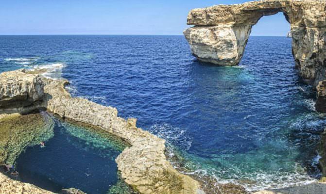 """La festa, i focolai Covid incontrollati e la variante Delta. La verità di Pantelleria: """"Niente di più fuorviante e falso"""""""