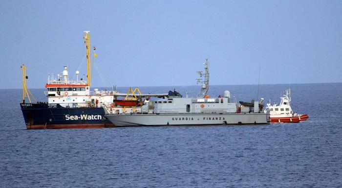 Caso Sea Watch, non si placa la polemica: chiesto l'intervento della Corte di Strasburgo per i diritti umani