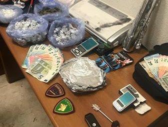 Arrestati a Catania 2 pregiudicati per detenzione e spaccio di cocaina e marijuana