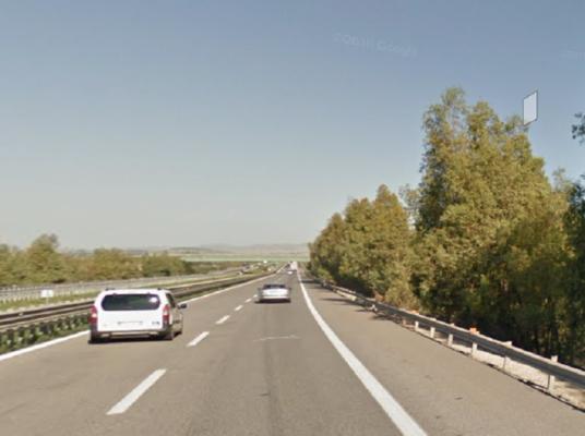 Terrore sulla A19, 65enne aggredito a calci e pugni sulla corsia d'emergenza