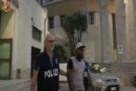 Violazioni di reingresso in Italia, nuovi arresti a Lampedusa: fermati tre tunisini – VIDEO