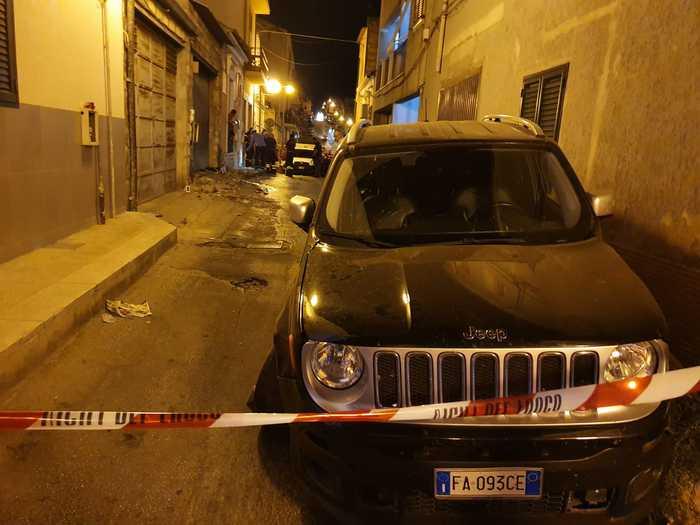 Jeep Renegade travolge cuginetti sul marciapiede: uno è morto, l'altro è grave – DETTAGLI