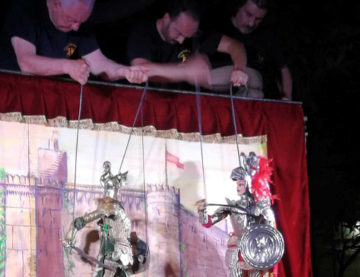 L'eterna lotta tra il bene e il male di Rinaldo e Gattamogliere raccontata dalla Marionettistica dei Fratelli Napoli