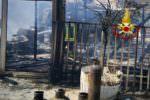 Camion dei panini a fuoco nel Catanese, le FOTO di quanto accaduto