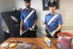 Nascondeva droga e armi in un casolare nel Catanese: 60enne ai domiciliari