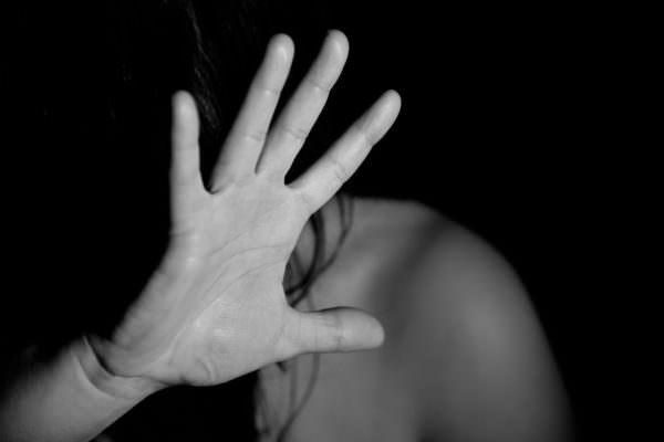 Catania, donna vittima psicologica del convivente: la madre non la sente da giorni