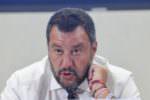 Salvini a Catania: Cgil e M5S contestano mentre il leader padano incontra la Federazione Armatori