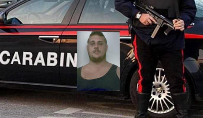 Litiga con il titolare di una giostra nel Catanese, minaccia e strattona i carabinieri: 31enne arrestato