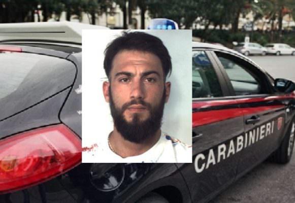 Beccato mentre vendeva marijuana a San Giovanni Galermo, in manette 26enne catanese