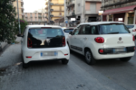 """Inciviltà a Catania, auto e moto posteggiati sui marciapiedi: """"C'è troppo menefrighismo, siamo nella giungla"""""""