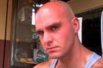 """Messaggi d'odio contro migranti, bufale e cospirazioni: il lato """"oscuro"""" di Carlo Lo Monaco e la sua furia omicida"""