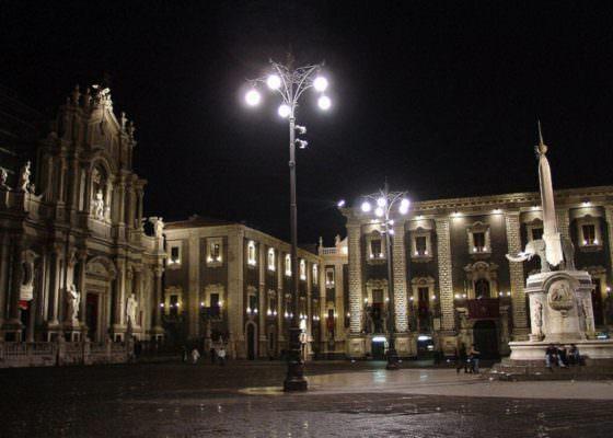 Catania, divieto consumazione bevande dopo le 23 anche ai senzatetto. Interviene la Cgil
