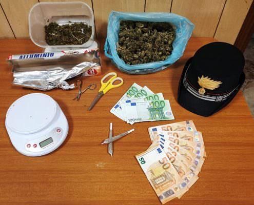 Teneva in frigo la marijuana: meccanico di Aci Sant'Antonio in manette