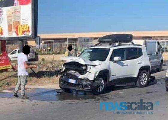 """Scontro tra due auto a Pachino, due feriti: tutta """"colpa"""" di uno Stop non rispettato"""