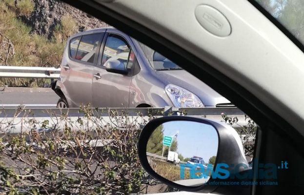 Scontro tra due auto lungo la Tangenziale di Catania: diversi feriti e code interminabili